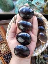 Load image into Gallery viewer, Smoky Quartz Palm Stone