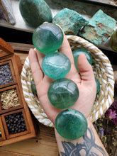 Load image into Gallery viewer, Green Fluorite Palm Stone