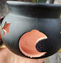 Load image into Gallery viewer, Cauldron Candle Holder