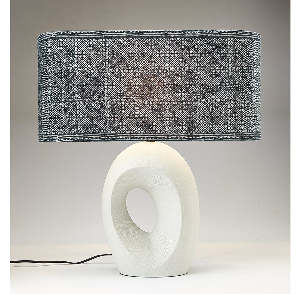 Modern Ceramic Lamp - O'THENTIQUE