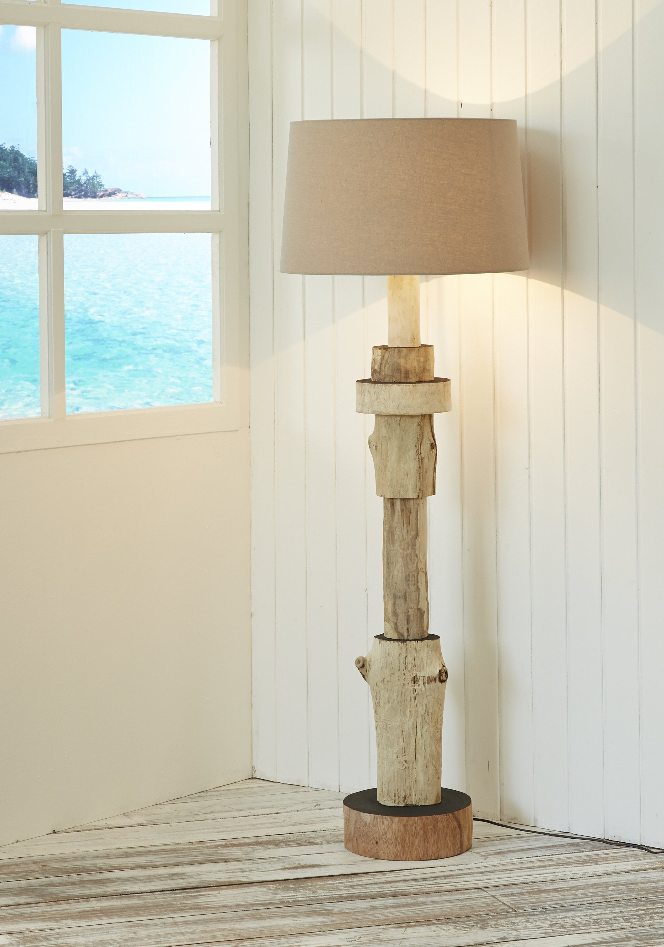 Segmented Solid Wooden Floor Lamp - O'THENTIQUE