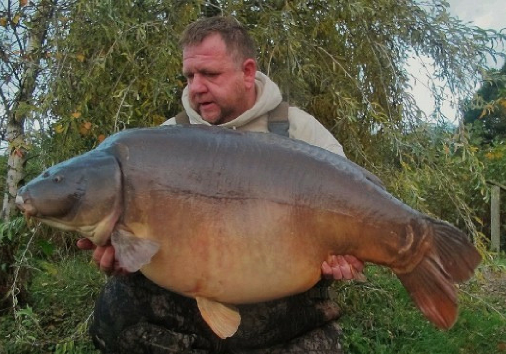 Rob with Elphicks Carp