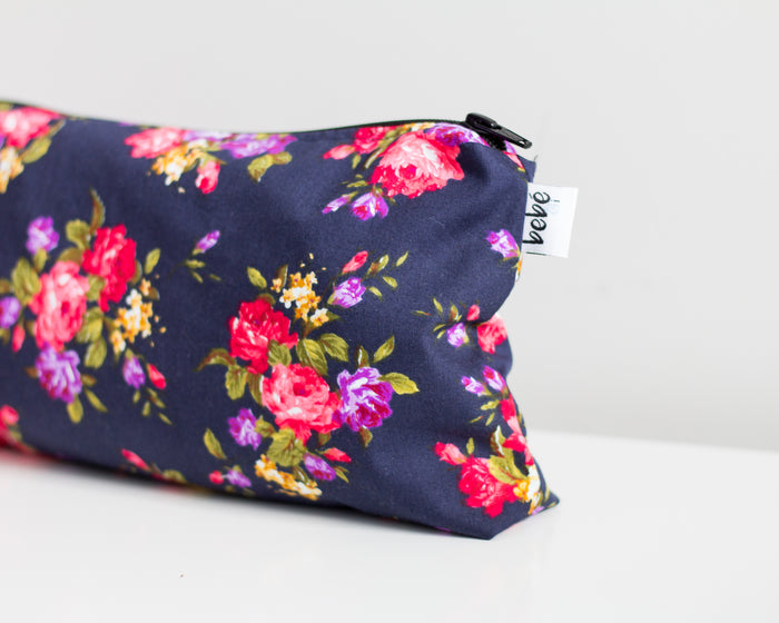 Carry all purse - Navy garden