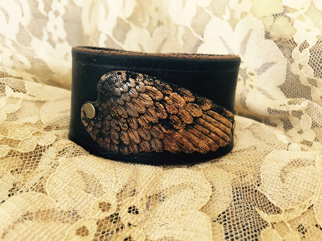 LARGE WING CUFF