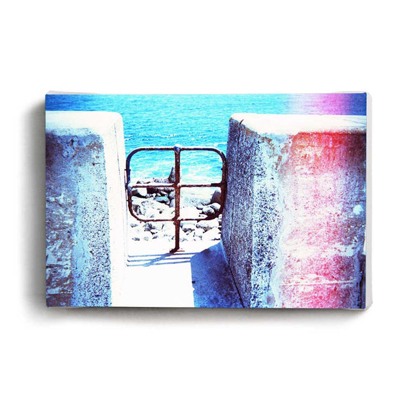 Canvas Print Hole In The Wall | www.iiilovelocal.com