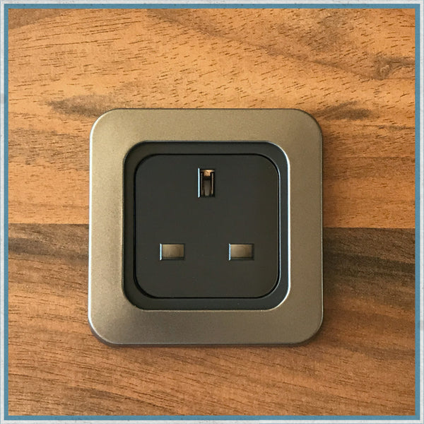 Camper Van Motorhome Single 240v 12v Or Usb Socket
