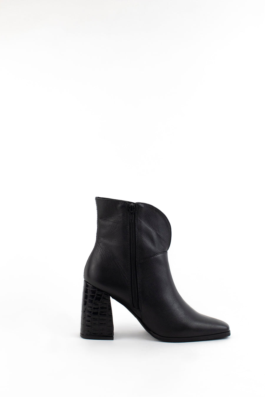 Verona ankle boots in black leather