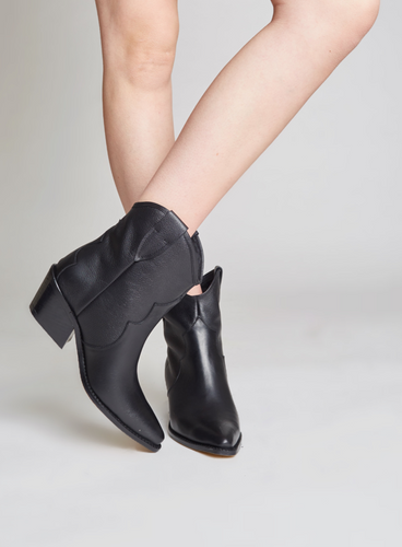 Sharp - leather boots - STIVALI