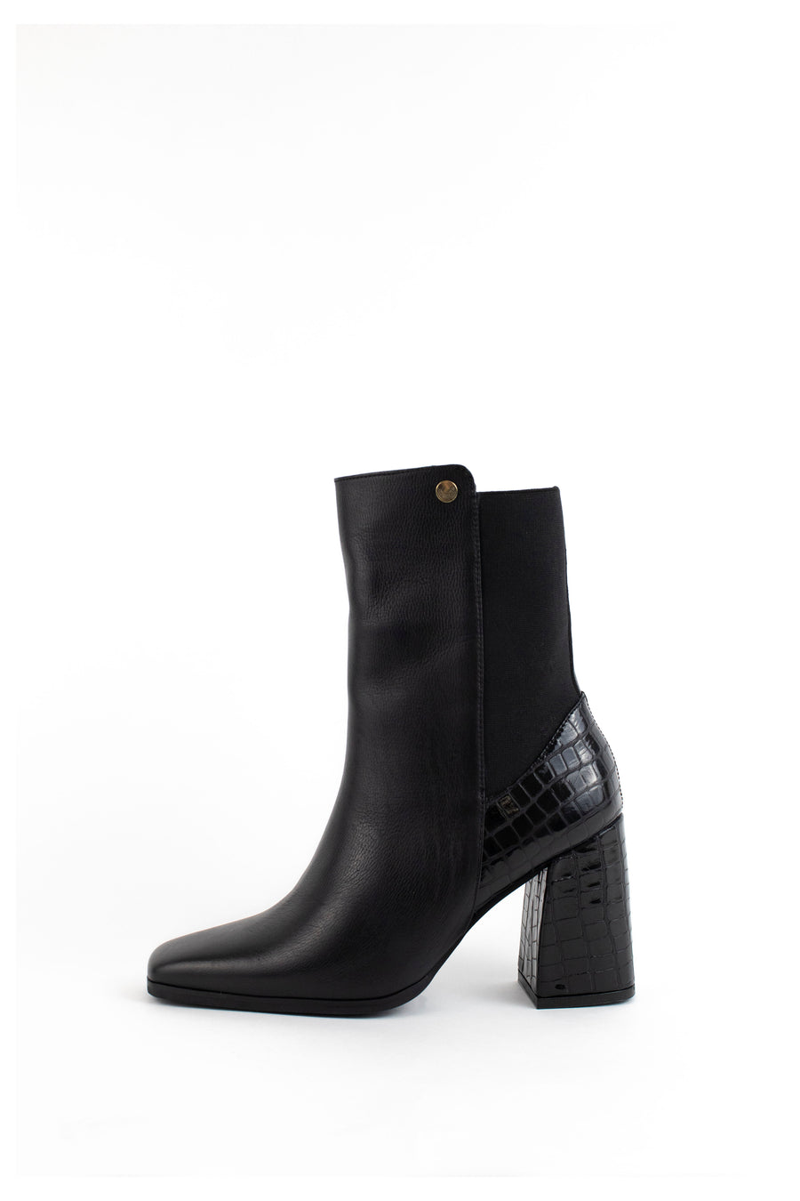 Florence booties with higher ankles in black leather