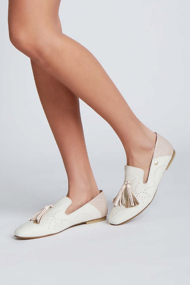 Vibration loafers in ivory/nude leather 1