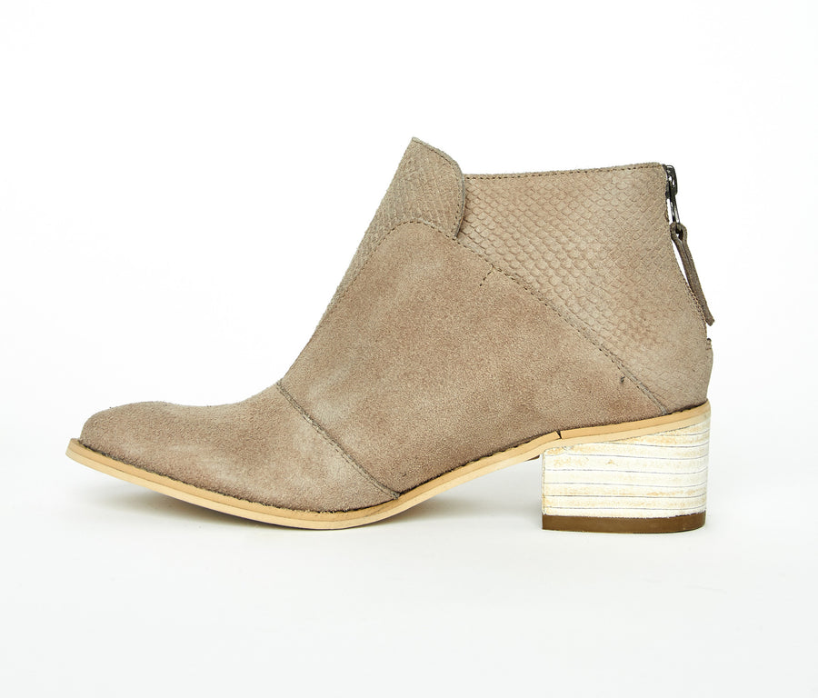 Tayrona booties in sand suede leather