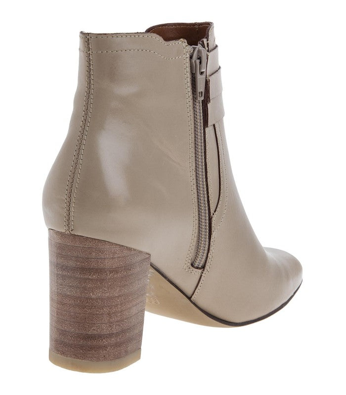 Chia ankle booties in beige leather