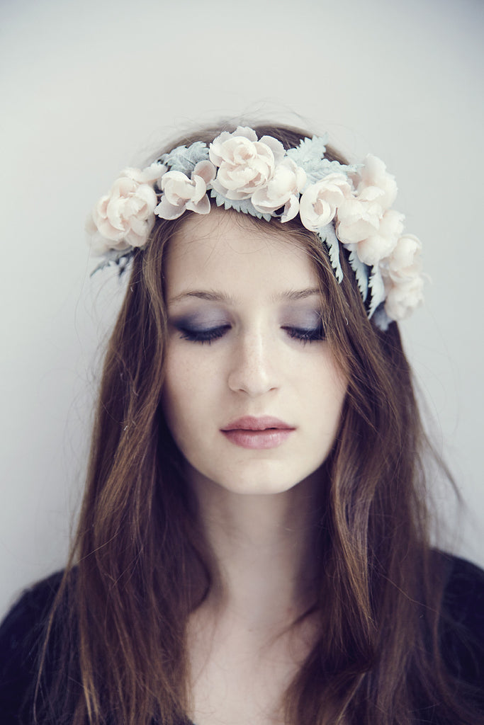 gigi-flower-crown-silk-made-in-france-bridal-look-lily-griffiths-1