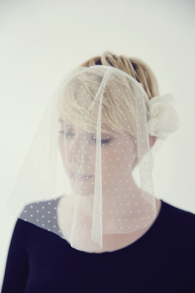 headpiece-viel-polka-dots-handmade-in-paris-lily-griffiths