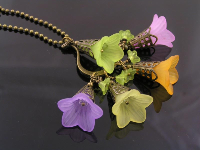 Flower Necklace, Bunch of Lucite Flowers, Boho
