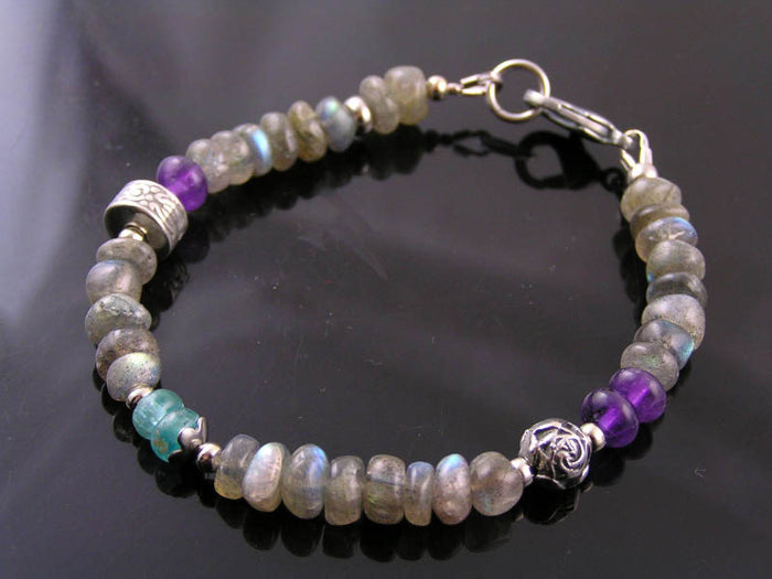 Beaded Bracelet with Labradorite, Amethyst and Apatite
