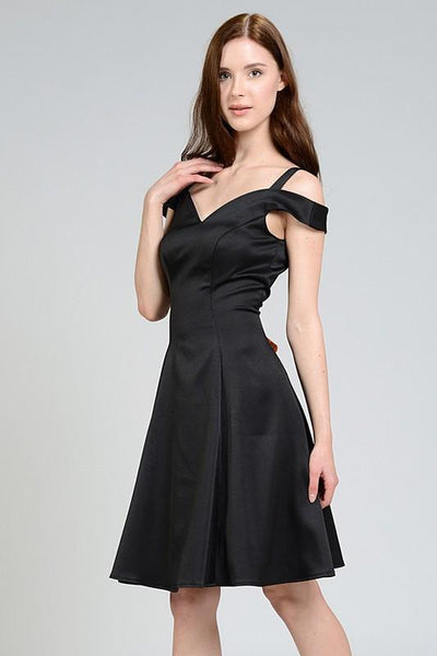 Sweetheart Neckline Off The Shoulders Black Plus Size Homeming Dress