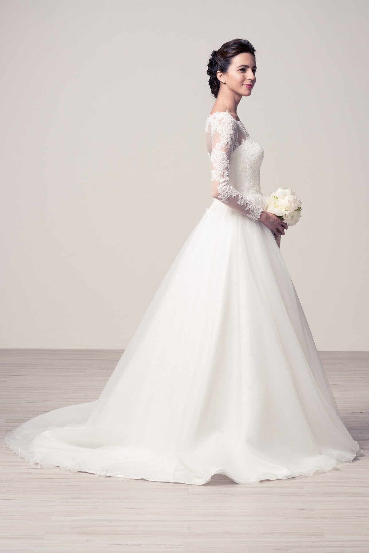 Affordable Ball Gown Wedding Dress With Long Sleeve Wyw2183