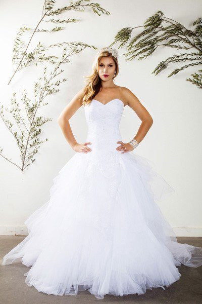 Strapless sweetheart neckline ball gown wedding dress for V neck strapless wedding dress