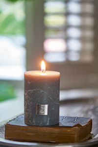 Rustic Candle grey 7x10