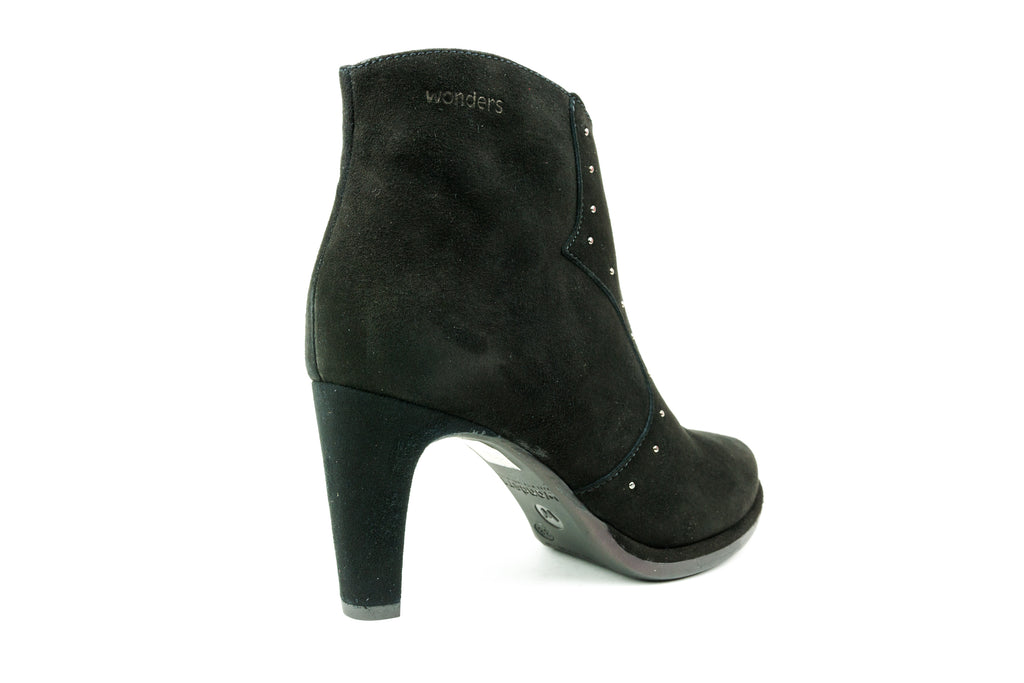 M2618 Black Ankle Boot - Walk Shoes