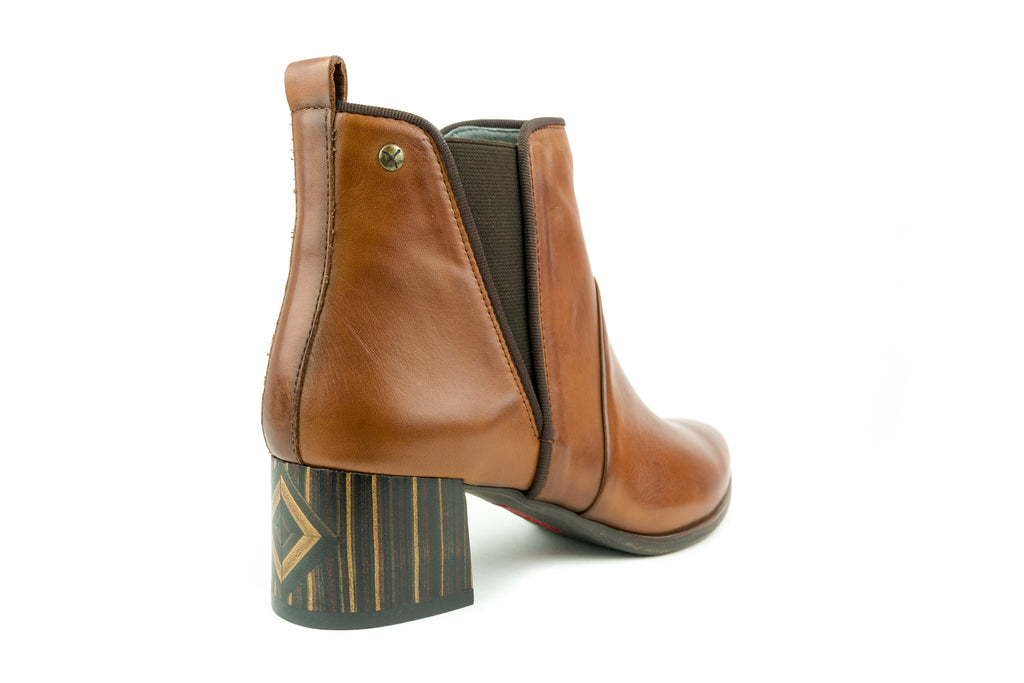 Canada Cuero Ankle Boot - Walk Shoes