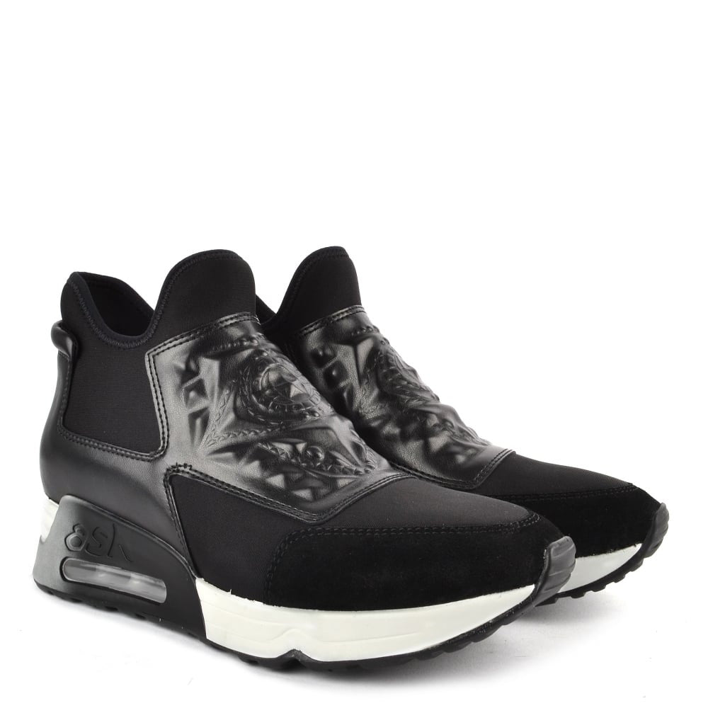 Laser Goth Black Runner - Walk Shoes
