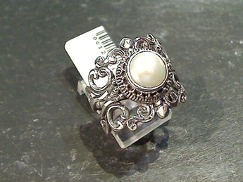 Size 7 Pearl, Sterling Silver Ring