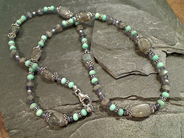 "19"" Labradorite, Iolite, Chrysoprase Necklace"