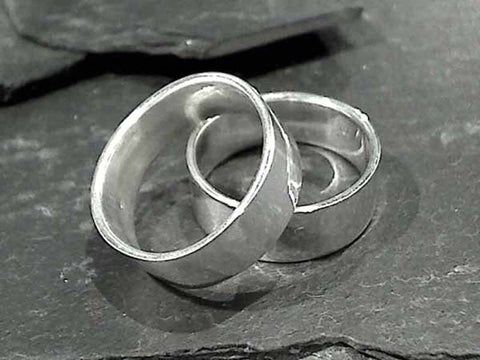 Size 10.75 Sterling 7.5mm x 1.25mm Ring