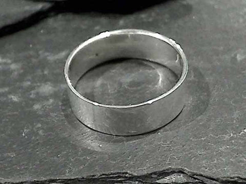 Size 13.5 Sterling 7.5mm x 1mm Ring