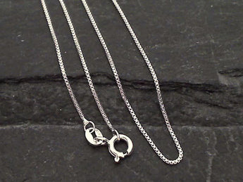 "16"" Thin Gauge .9mm Box Chain - Sterling Silver"