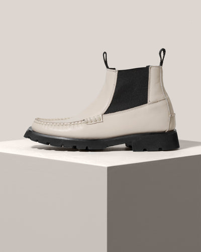 VEGA SPORT - Tread Sole Low Cut Moccasin Chelsea Boot