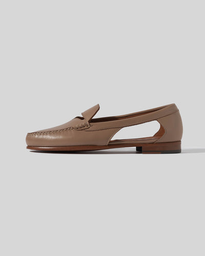MELIC - Cut Out Penny Loafer