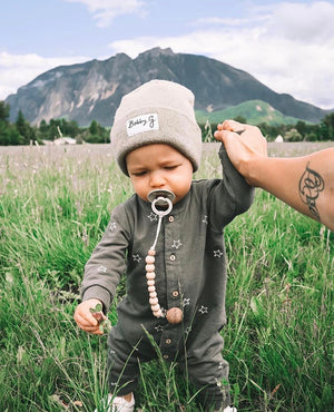 Simple Sand Pacifier Clip