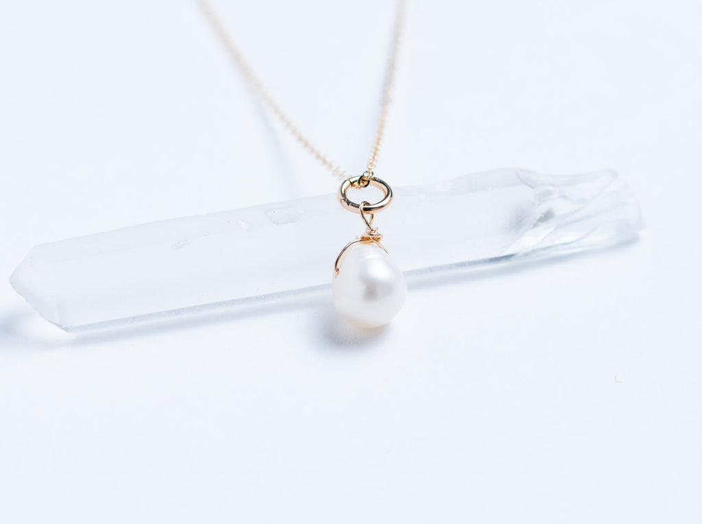 Drop Freshwater Pearl // Necklace