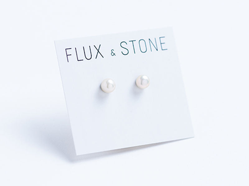 Freshwater Pearl Earrings // Pearl