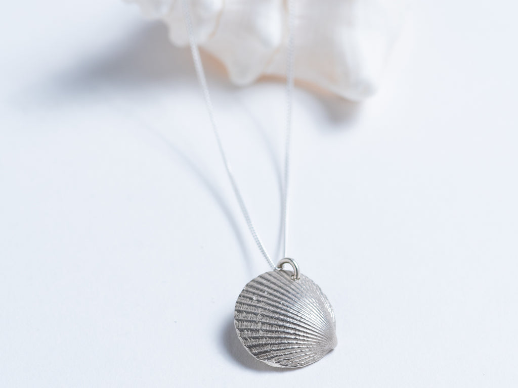 Cast Shell with Pearl // Pendant