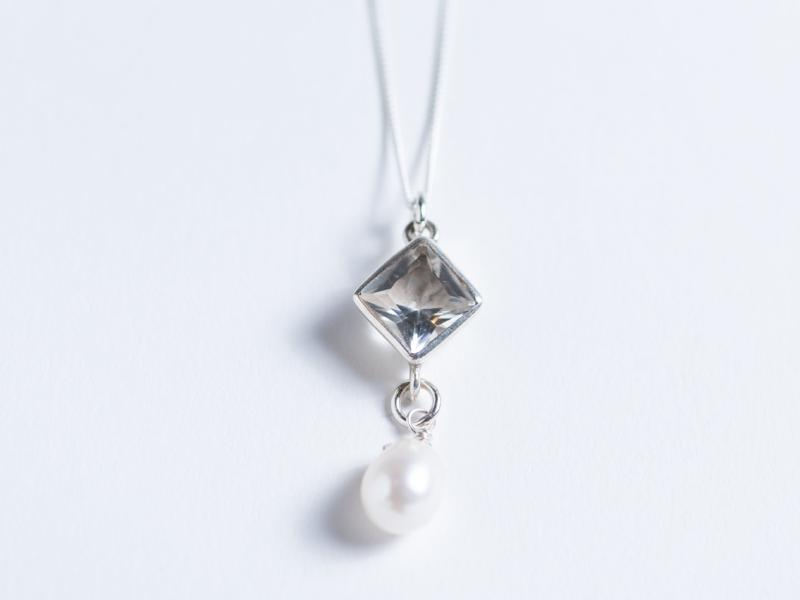 Sterling Silver // Five Point Quartz Crystal Triangle Diamond & Freshwater Pearl