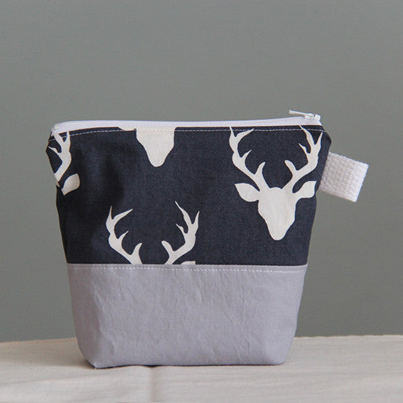 Ecofriendly zip Bag - Navy Deer