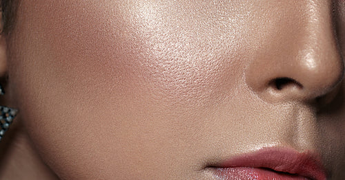 Bust these 5 Common Oily Skin Myths!
