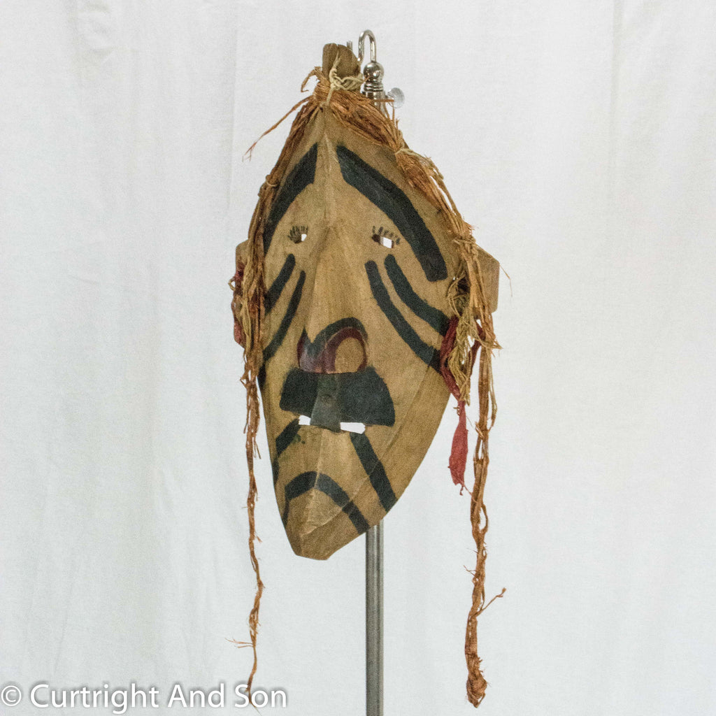 BELLA COOLA MASK CA 1900