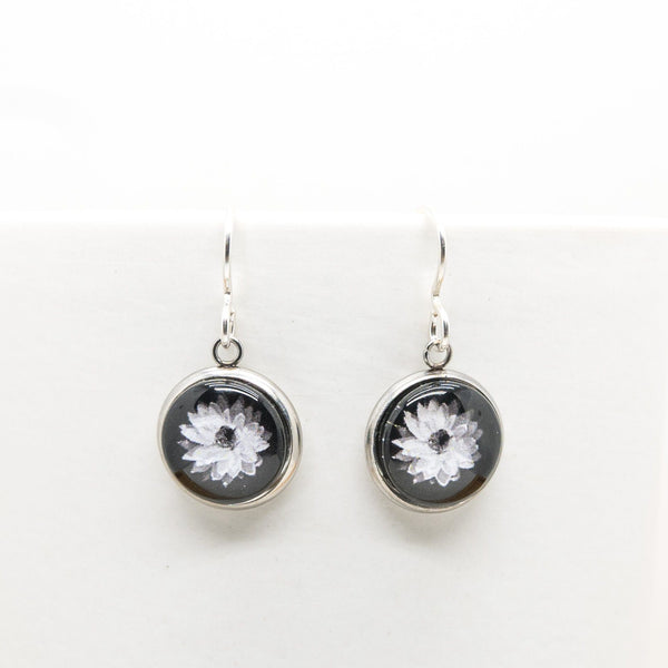Everlasting Daisy - Drop Earrings