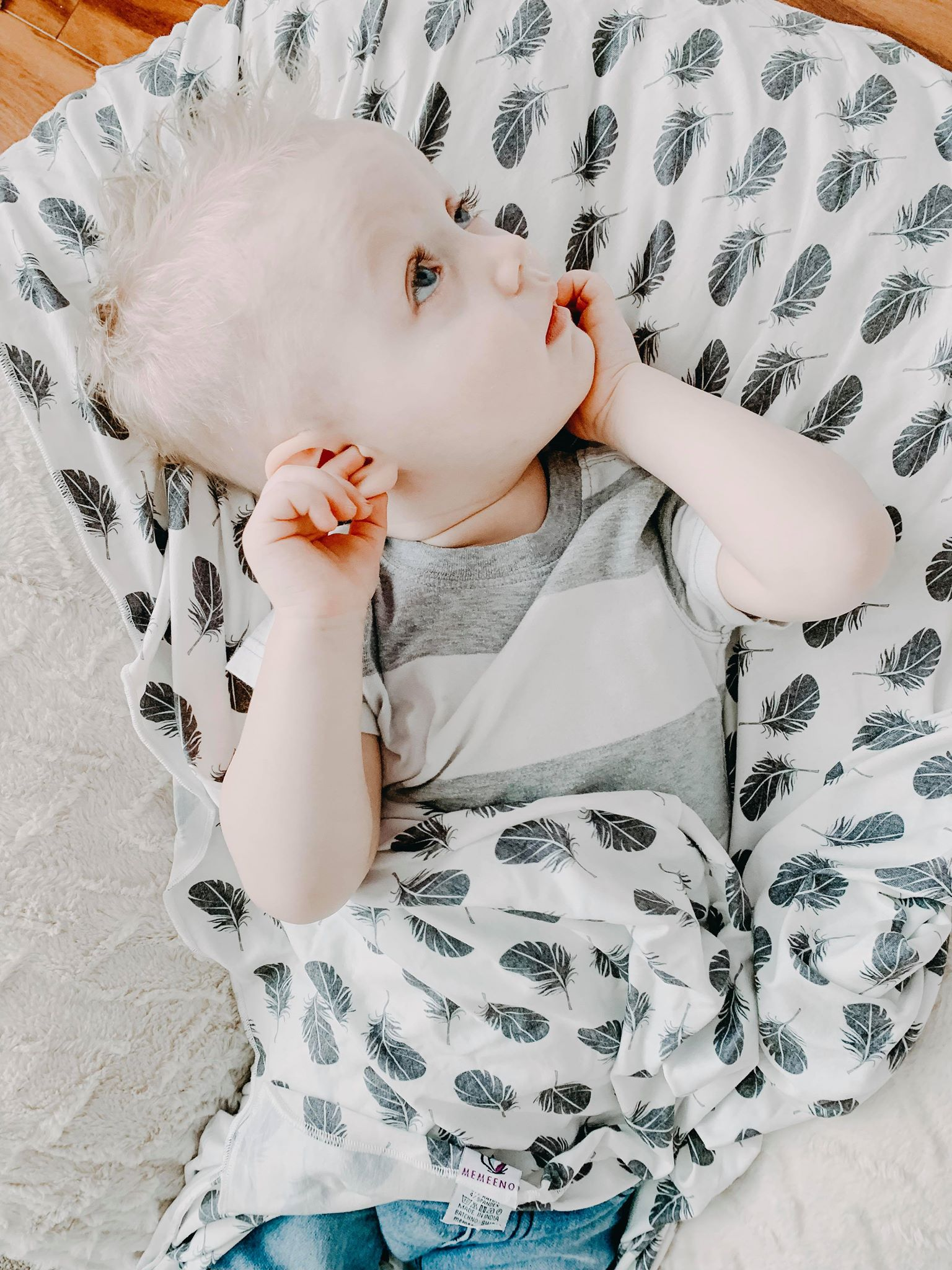 Instagramer & Mom Blogger Alex Kay Reviews the Swaddloop Blanket