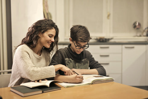 Memeeno Blog: Are Your Kids Getting Enough Family Time? - Know Its Benefits