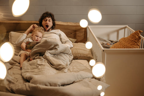 MEMEENO Blog: Does Co-sleeping make your child clingy?