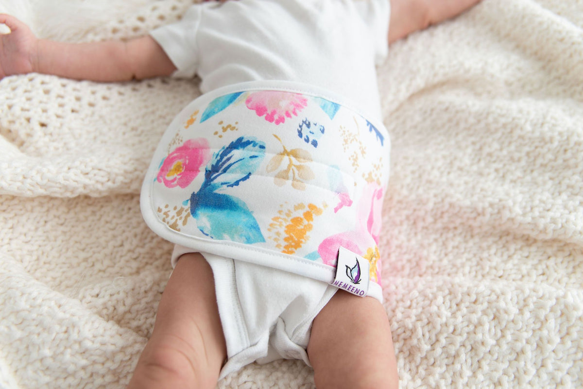 memeeno baby belly band for gas and colic relief aquarelle