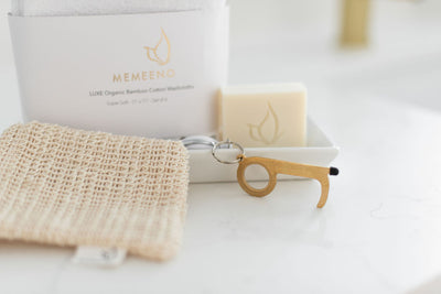 deluxe memeeno spa bundle includes soap, key door opener, washcloths and sisal pouch