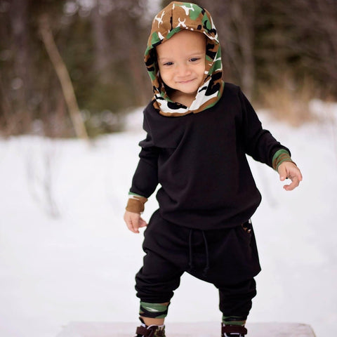 Black with camo accent set