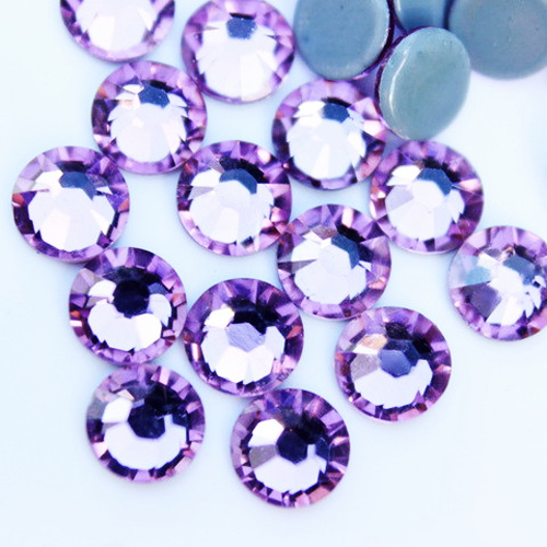 Light Amethyst Rhinestones
